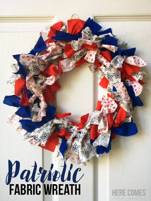 Tutorial: Patriotic fabric wreath, no sewing required