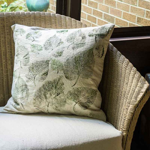 Tutorial: Leaf print drop cloth pillows