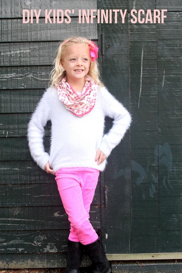 Tutorial: Girls pom pom infinity scarf