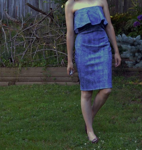 Free pattern: Fiona strapless flounce dress