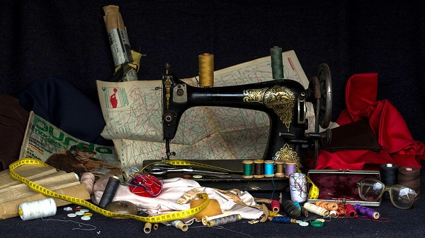 8 reasons for using a vintage sewing machine