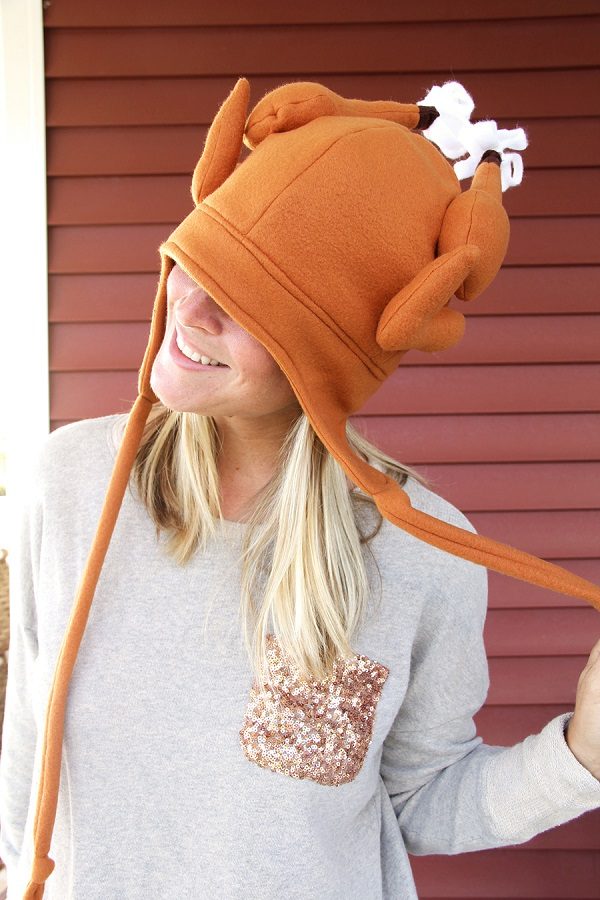 Free pattern: Fleece Thanksgiving turkey hat