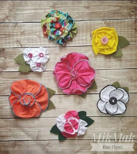 Tutorial: Rolled hem fabric flowers