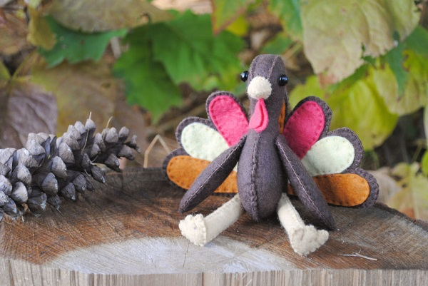 Tutorial: Felt Thanksgiving turkey softie
