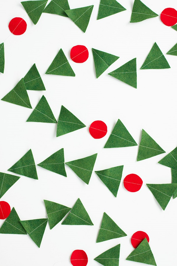 Tutorial: Modern holly and berry felt garland