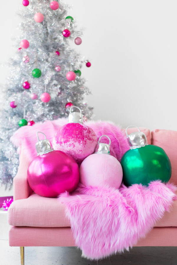 Tutorial: Giant plush ornament pillows