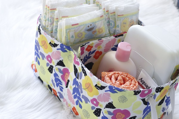 Free pattern: Divided fabric basket and changing pad
