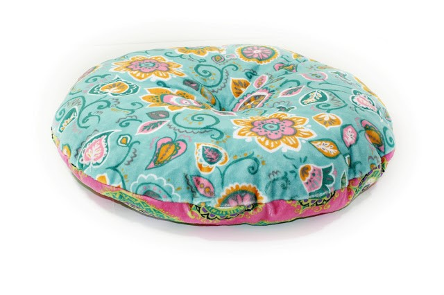 Free Pattern Tufted Circle Cushion In 11 Sizes Sewing
