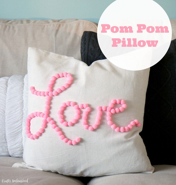 Tutorial: No-sew Valentine pom pom pillow