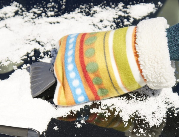 Tutorial: Fleece hand warmer ice scraper
