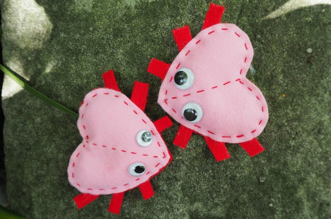 Tutorial: Felt Valentine love bugs kids can sew
