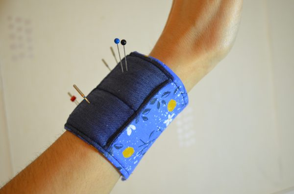 Tutorial: Wrist cuff pincushion