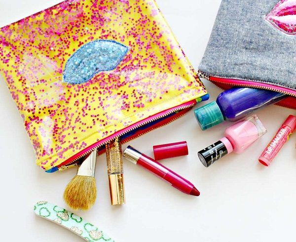 Tutorial: Glitter lips zip pouch