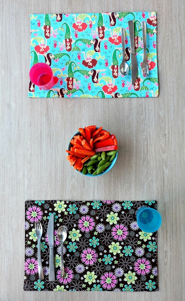 Tutorial 10 Minute Reversible Placemat Sewing