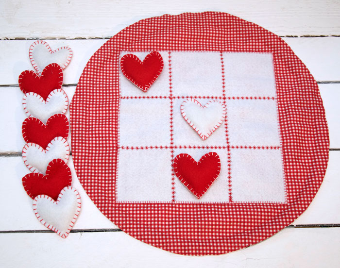 Tutorial: Heart tic tac toe game with storage bag