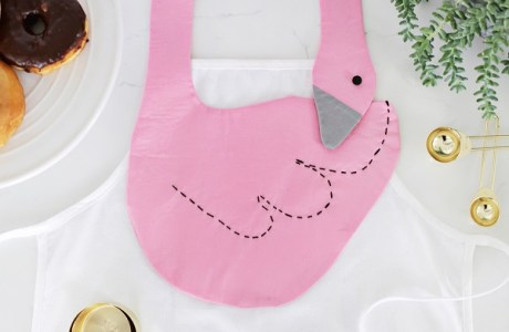 Tutorial: Swan apron, plus a pattern