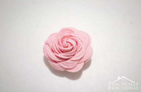 Tutorial: Turn ric rac into sweet little flowers