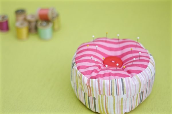 Tutorial: Scrap friendly 15 minute pincushion
