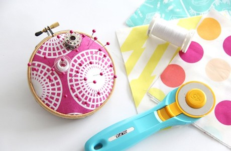 Tutorial: Embroidery hoop pincushion, no sewing required