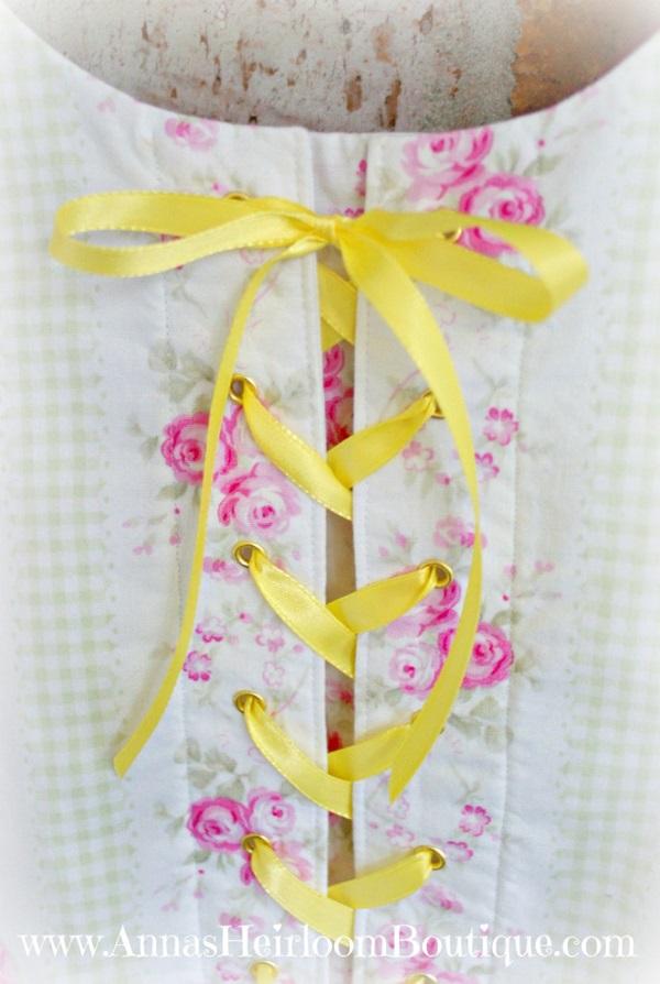 Tutorial: Faux corset detail for a dress