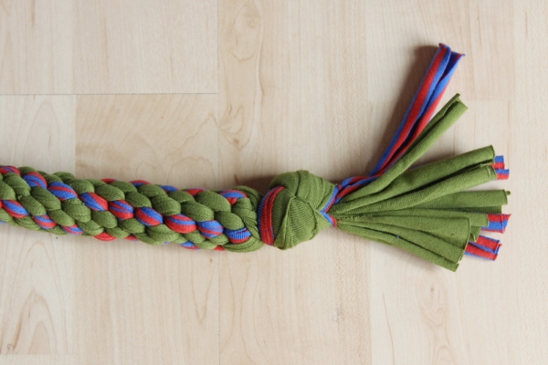 Tutorial: Knotted dog chew toys