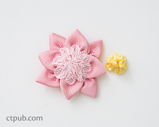 Video tutorial: Ribbon rosette