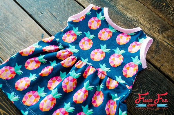 Tutorial and pattern: Baby girl knit summer dress