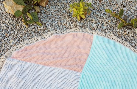 Tutorial: DIY fringe trim round beach towel