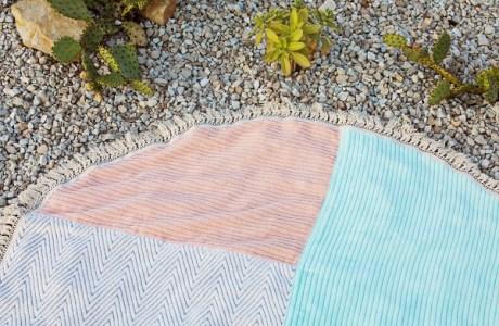 Tutorial: DIY fringe trim round beach towel