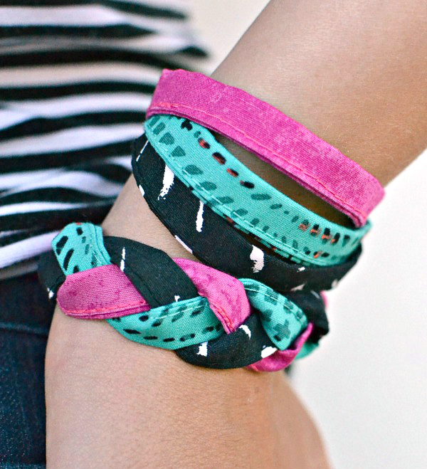 Tutorial Scrap fabric friendship bracelets