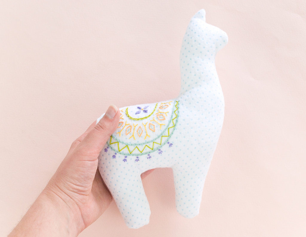 Tutorial and pattern: Embroidered alpaca softie