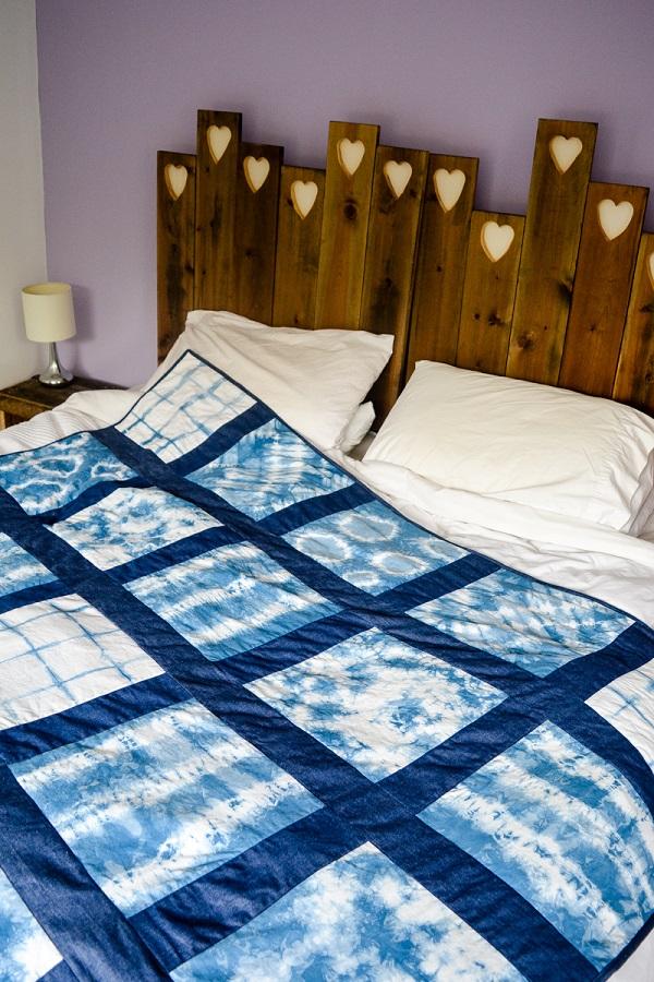 Tutorial: Shibori indigo dyed quilt