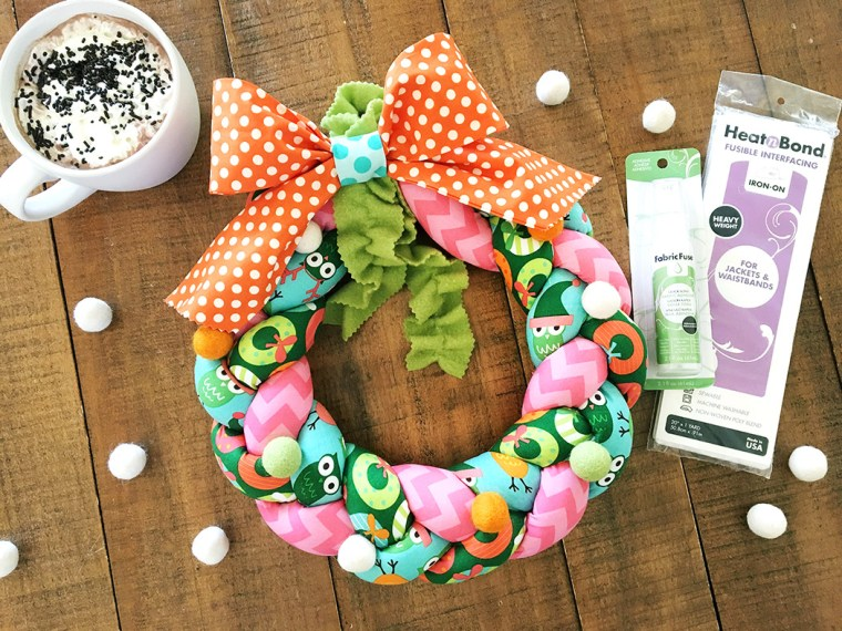 Tutorial: Braided fabric Christmas wreath