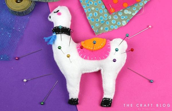 Tutorial And Pattern Llama Pincushion Or Christmas