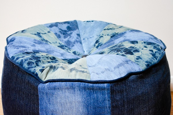 Tutorial: Shibori bleach denim floor cushion