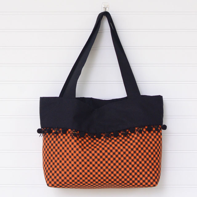 Tutorial: Trick or Treat tote with pom pom cuff