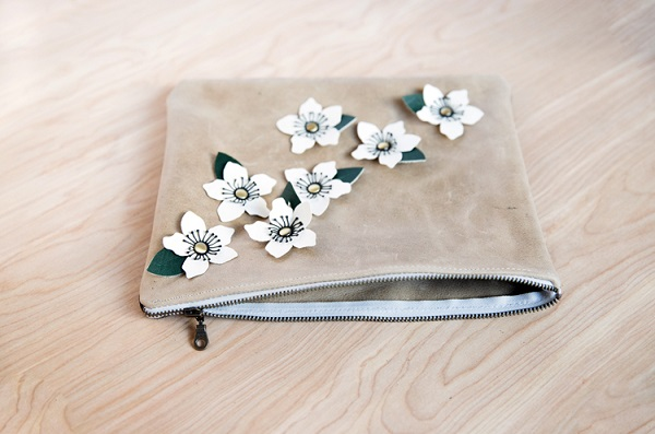 Tutorial and cut file: Leather anemone clutch bag