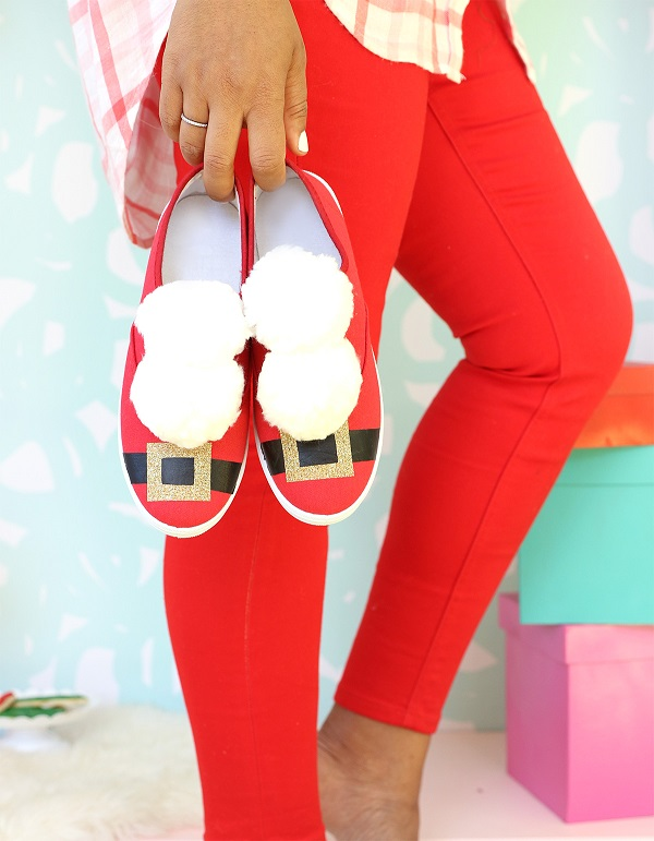 Tutorial: Easy and cute Santa sneakers