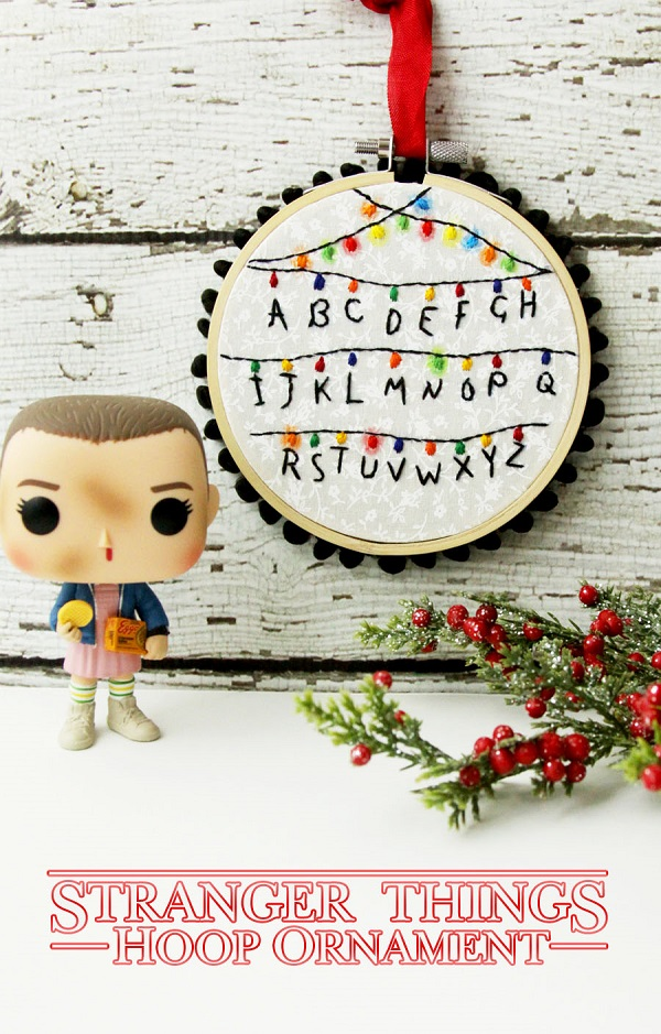 Tutorial and pattern: Stranger Things Christmas hoop ornament