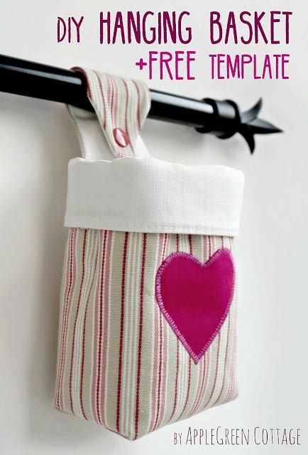 Tutorial: Hanging fabric organizing basket