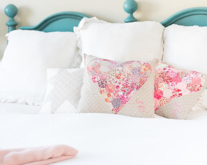Tutorial reverse applique patchwork heart pillow u sewing