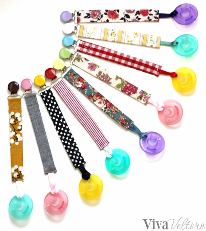 Tutorial: Easy pacifier clips from scrap fabric
