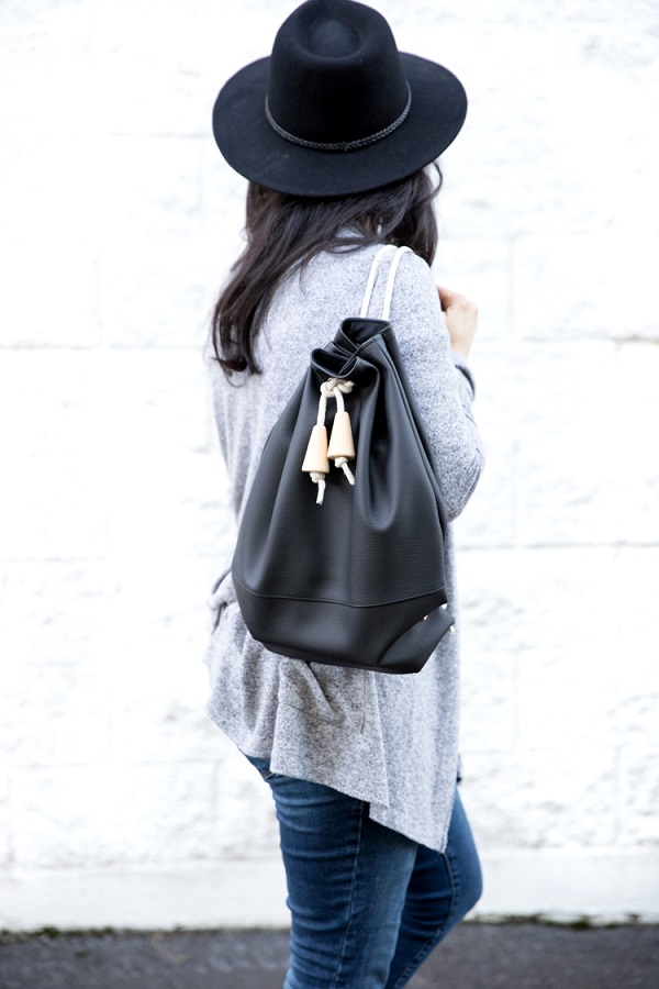 Tutorial: Faux leather drawstring backpack