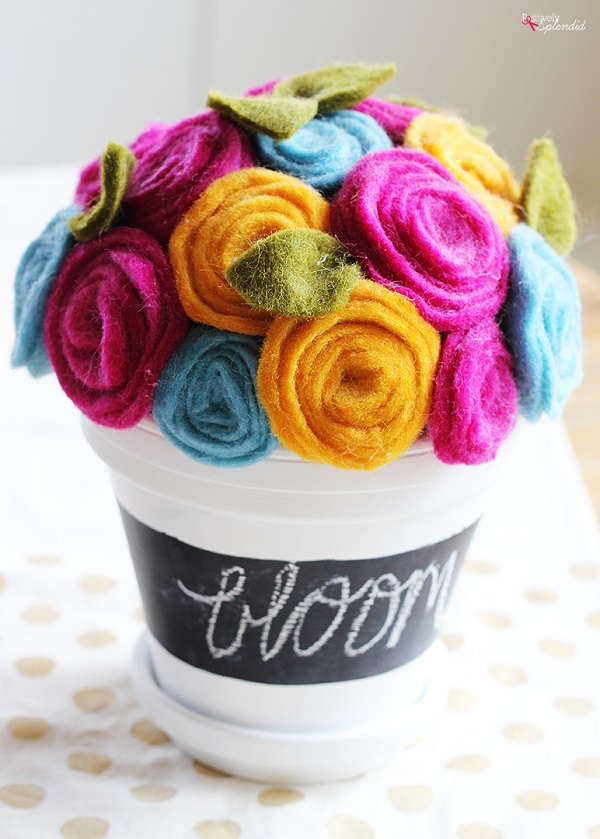 Tutorial: Easy rolled felt flowers