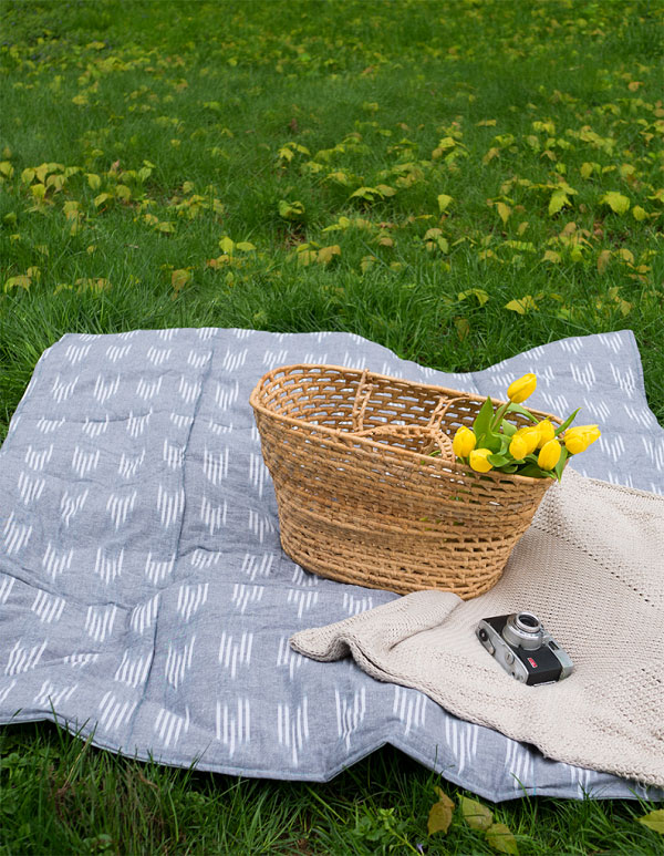 Sewing tutorial: Waterproof park or picnic blanket