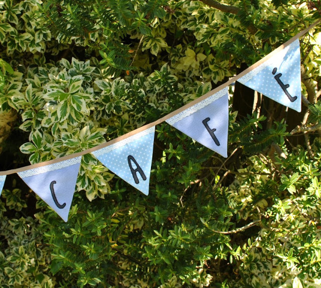 Sewing tutorial: Applique bunting garland
