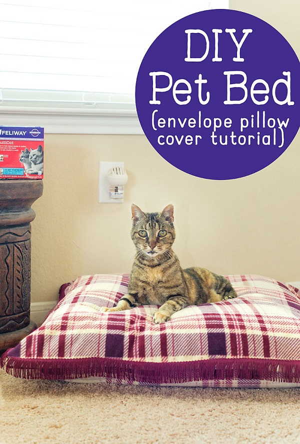 Sewing tutorial: Easy pet bed with an envelope closure