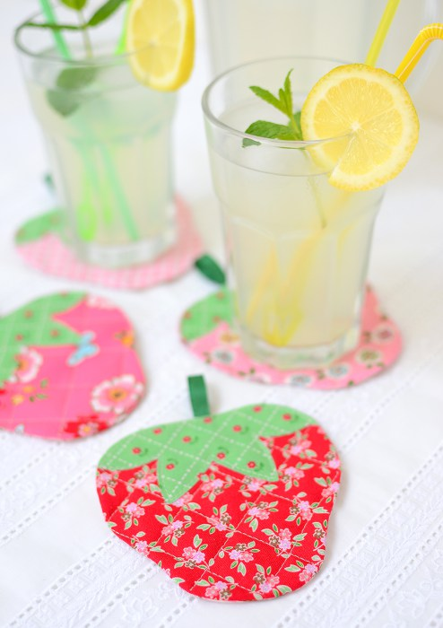 Sewing tutorial: Quilted strawberry coasters, with free pattern