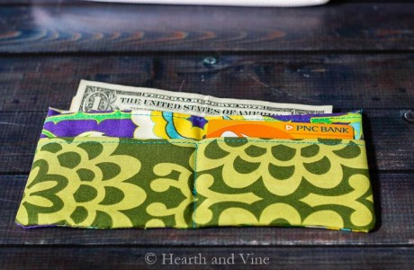 Sewing tutorial: Simple fabric wallet