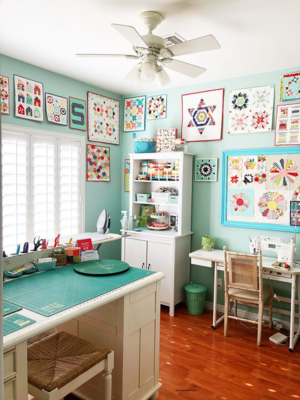 Get your sewing room organized - free printable checklist